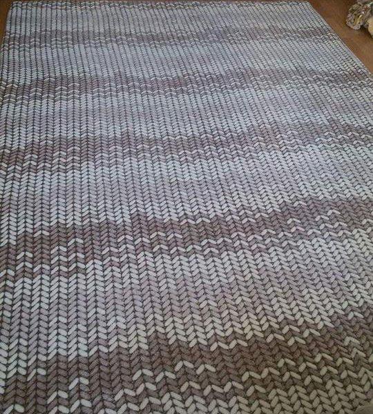 örgü desenli lastikli halı örtüsü